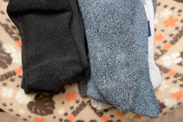 仕事の足の負担を減らす為パイル地靴下をamazonで買う