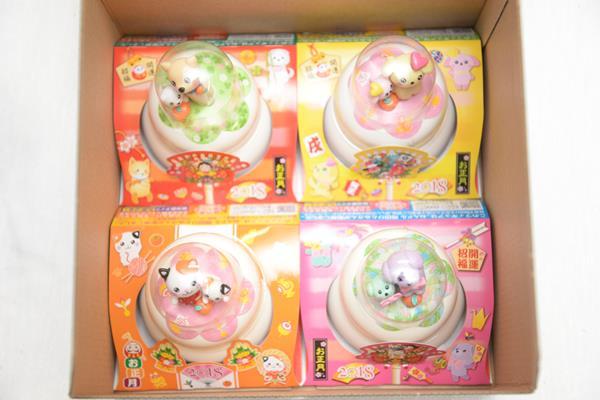 2018年の越後製菓の干支の鏡餅 キャラクター4種入ボックス